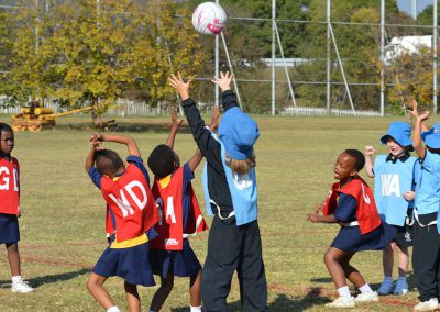co-curricular-images_0001_mini netball