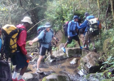 co-curricular-images_0002_hike2
